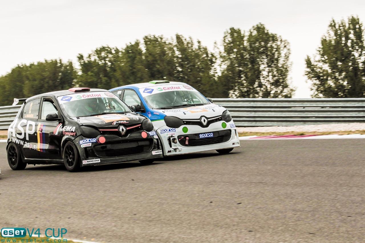Finále Renault Twingo Cupu slibuje dramatické závodění