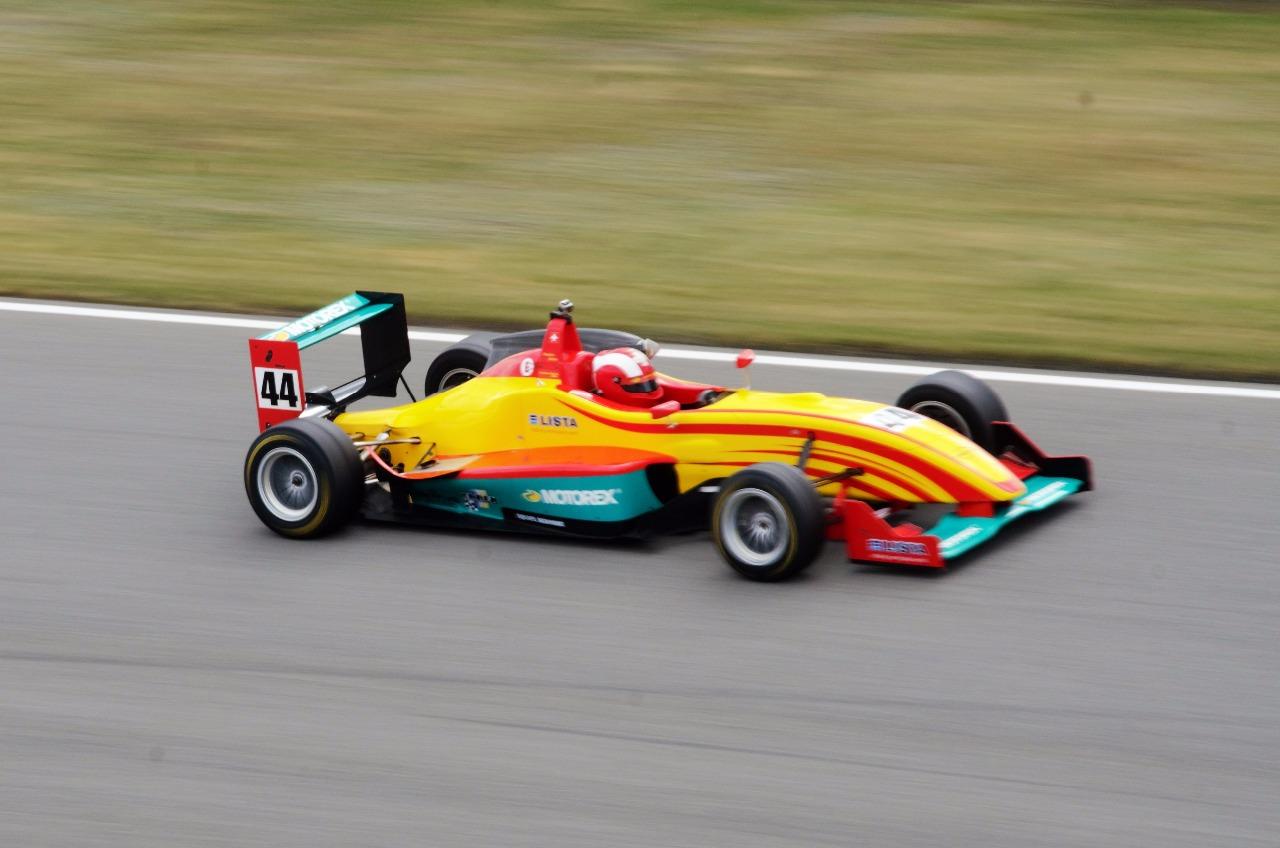 Sandro Zeller dominoval prvnímu závodu v Brně