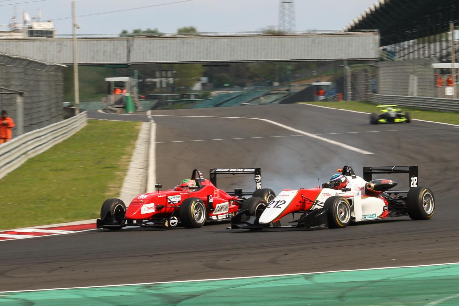 Paolo Brajnik ustál tlak a vyhrál nedělní formulový závod