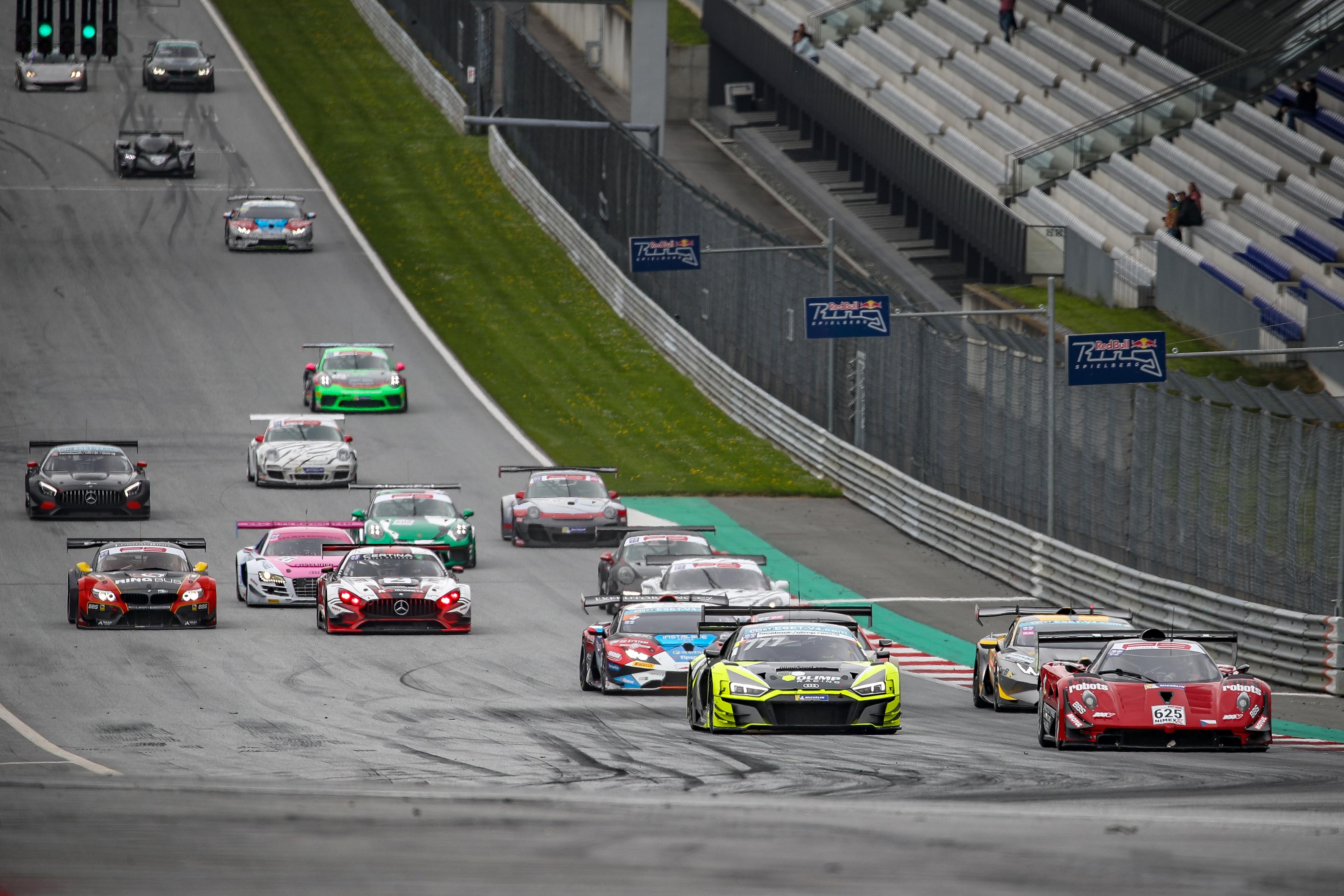 Mateusz Lisowski vyhrál i druhý závod GT