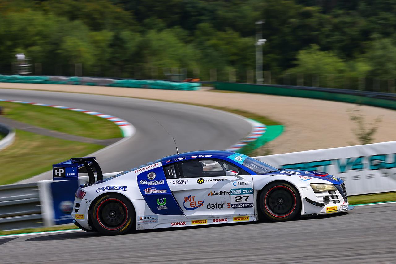 Ve vytrvalosti GT3 je na čele Skalický