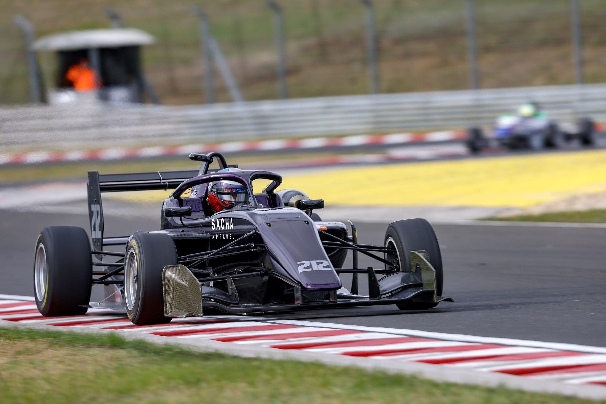Závodům formulí kraloval na Hungaroringu Brajnik