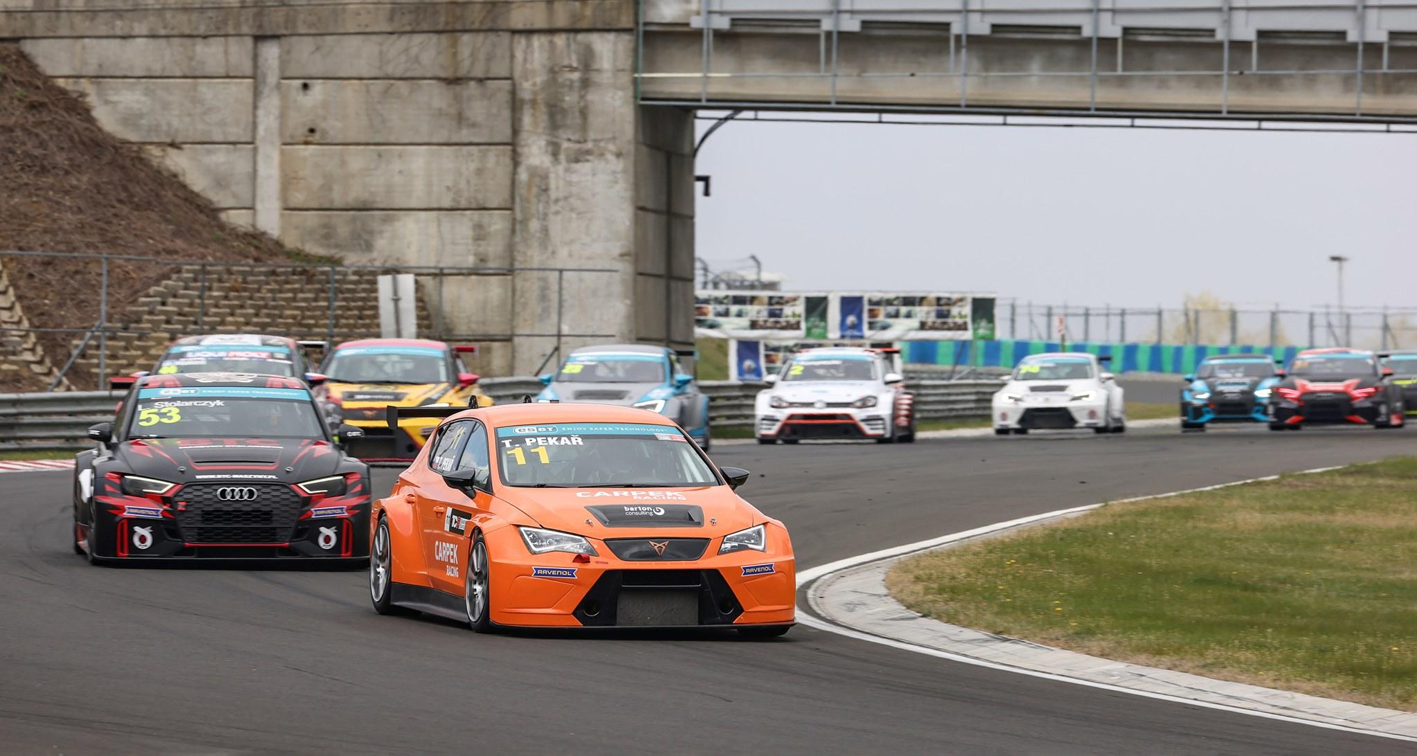 Sezonu TCR Eastern Europe zahájil dvěma výhrami Pekař
