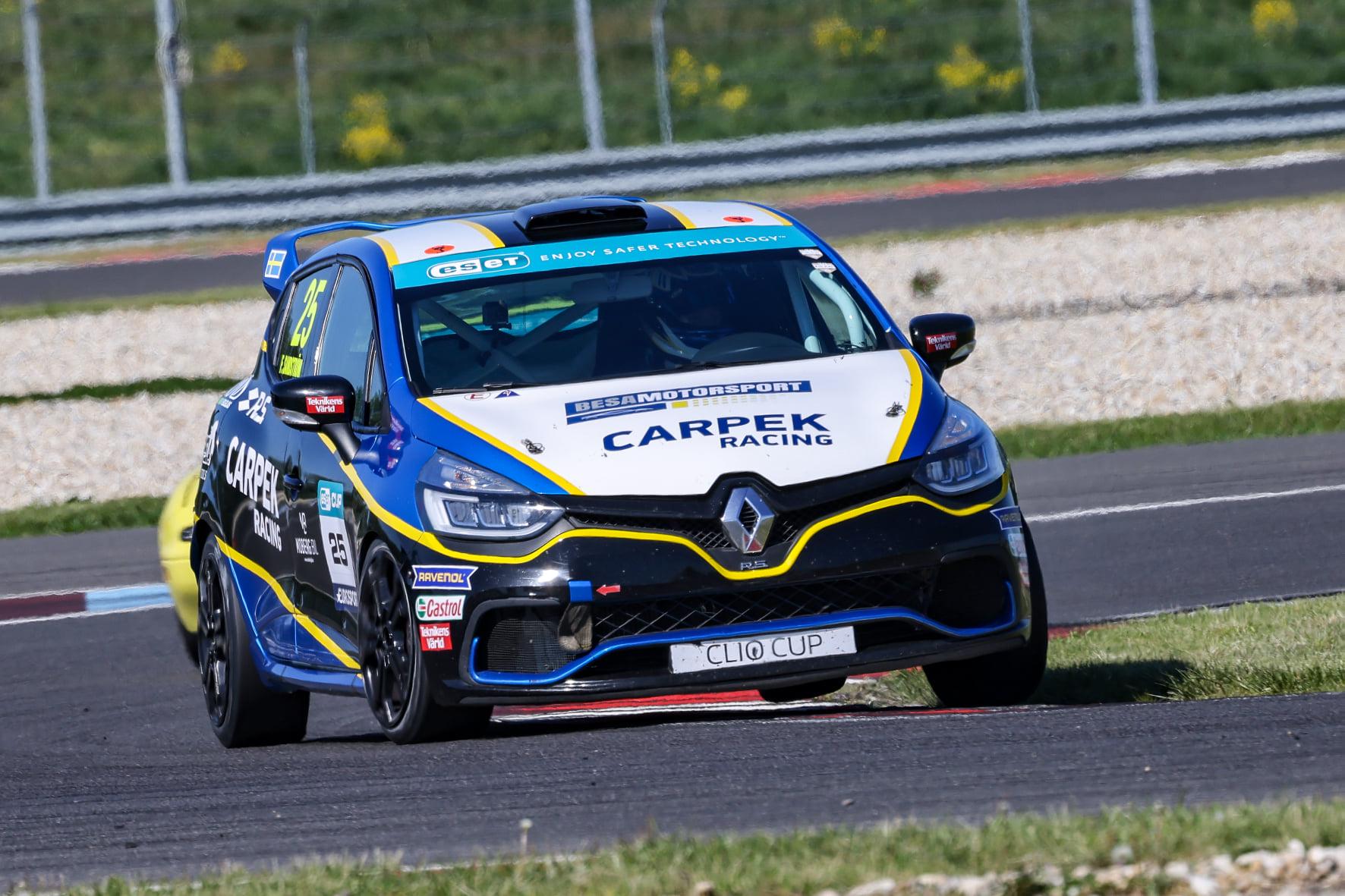 Clio Cup Bohemia: Zajistí si Sandström na Slovakiaringu titul?