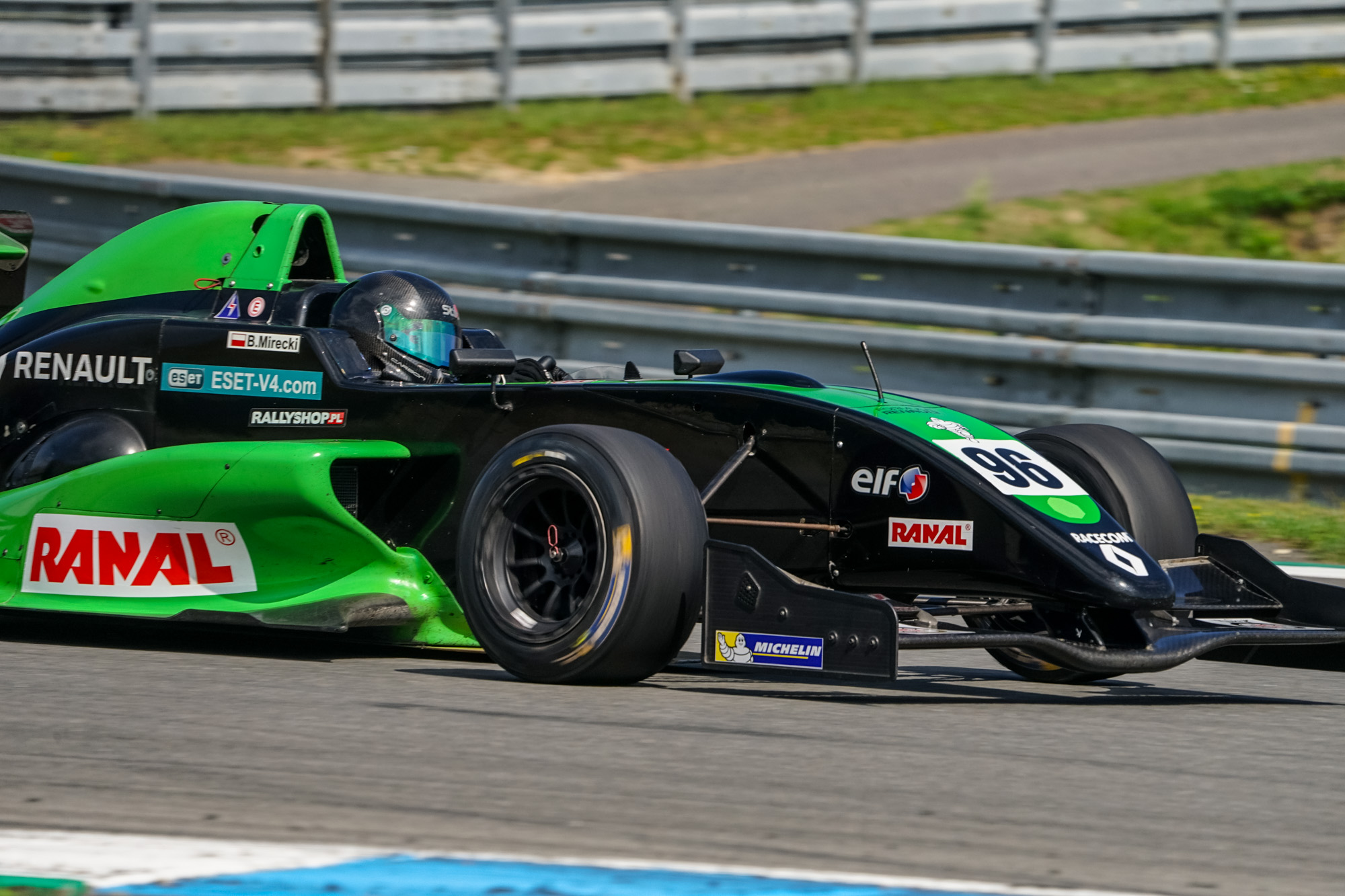 Bartek Mirecki znovu usedne do formule Renault