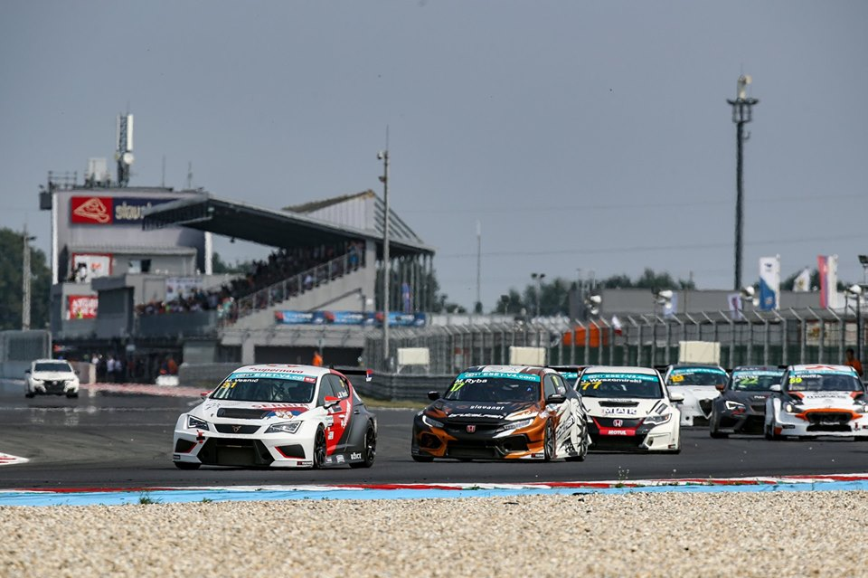 TCR drivers to fight for more points at Brno
