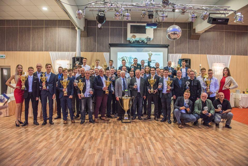 Pětice účastníků ESET V4 Cupu bojuje o Zlatý volant