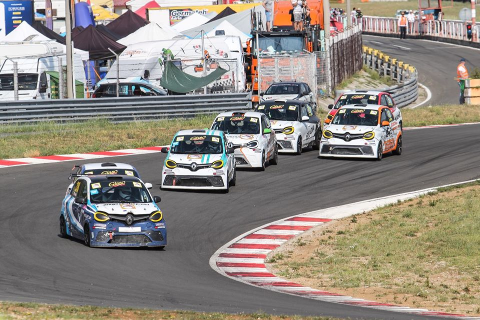 Robida and Ivanuša victorious in Twingo Cup