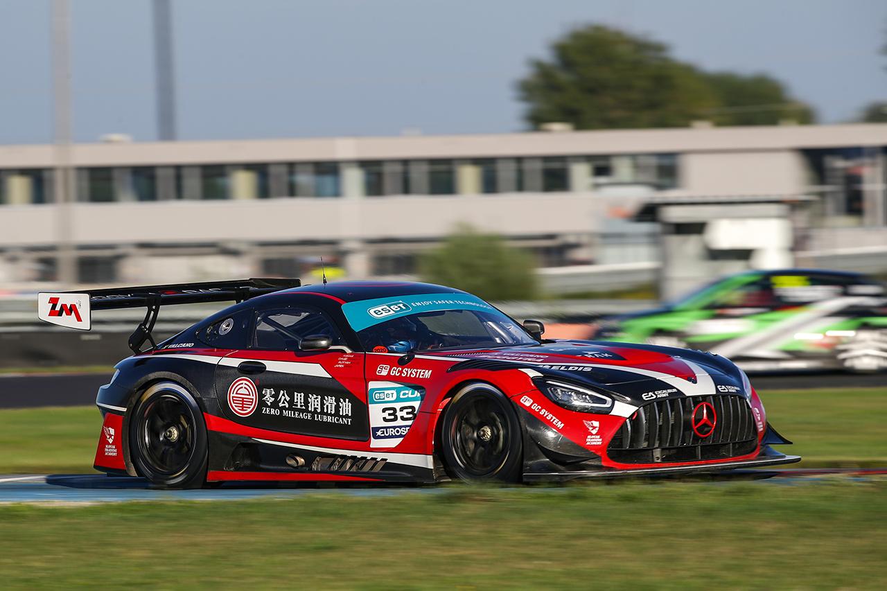 Vršecký ovládl i nedělní GT sprint