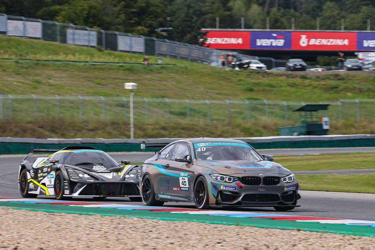 Sprint GT4 slibuje napínavé finále